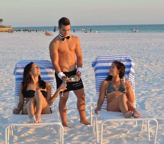 Miami South Beach Is A Bachelorette Destination That Glamorous Beachy And Full Of Surprises Perfect For Getaway Weekend With The Girls In Before